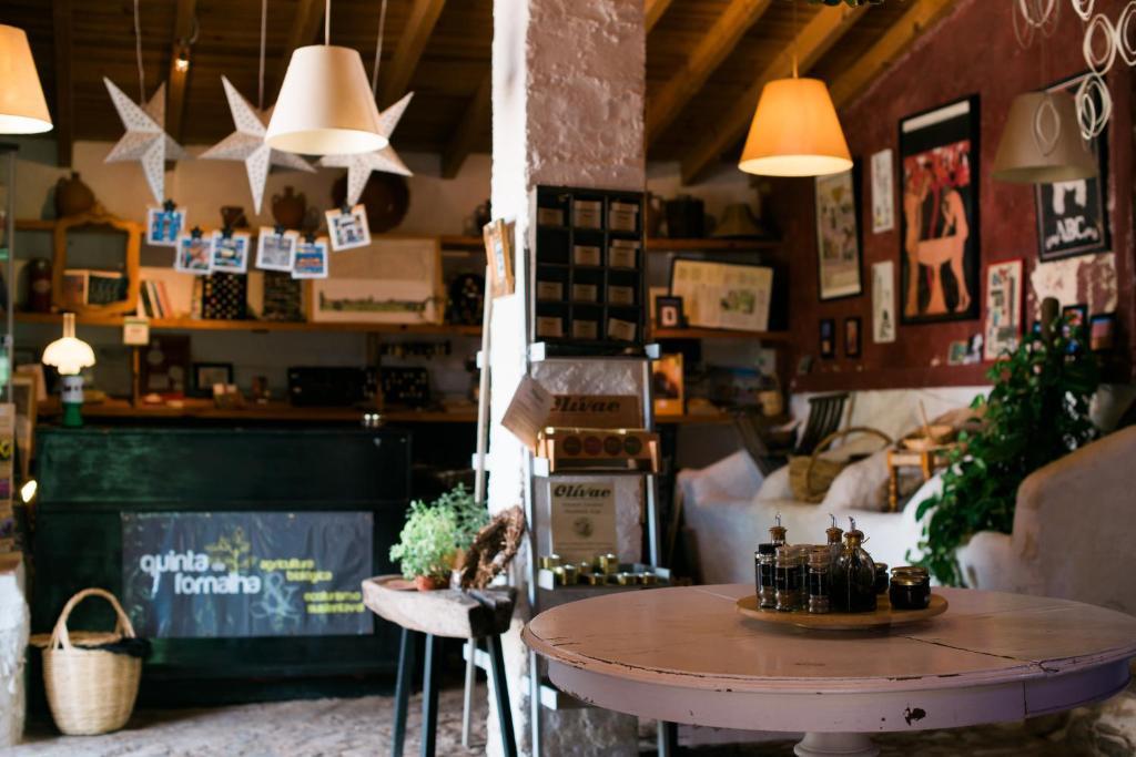Een restaurant of ander eetgelegenheid bij Quinta da Fornalha