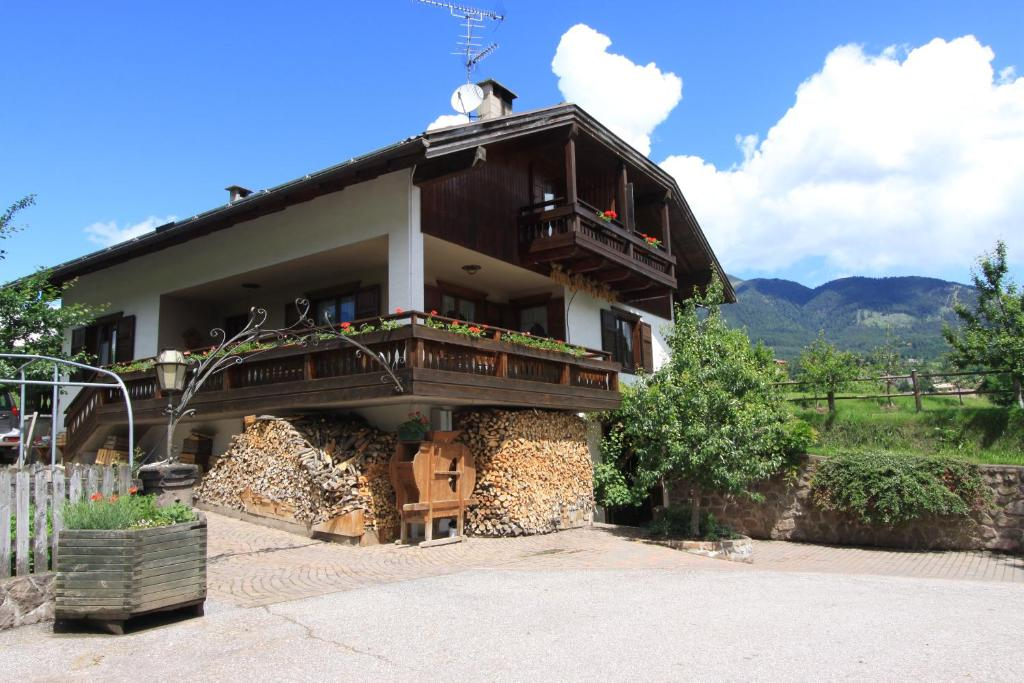Farm Stay Agritur Chelodi Cavalese Italy Booking Com