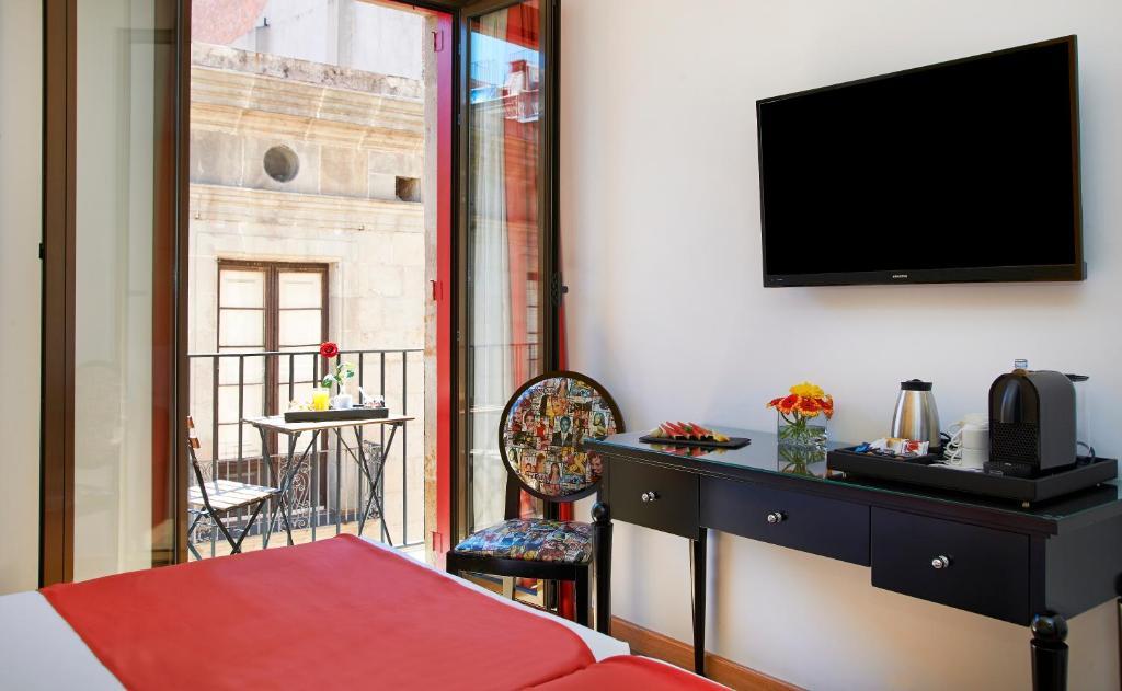 Uma TV ou centro de entretenimento em Hesperia Barcelona Barri Gòtic