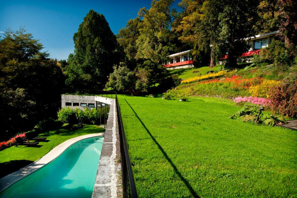 Vista de la piscina de Hotel Antumalal o alrededores