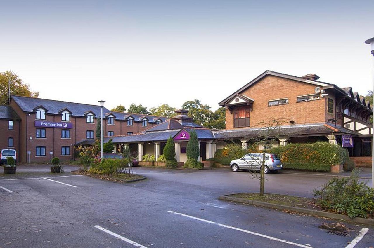 Отель  Premier Inn Manchester - Wilmslow
