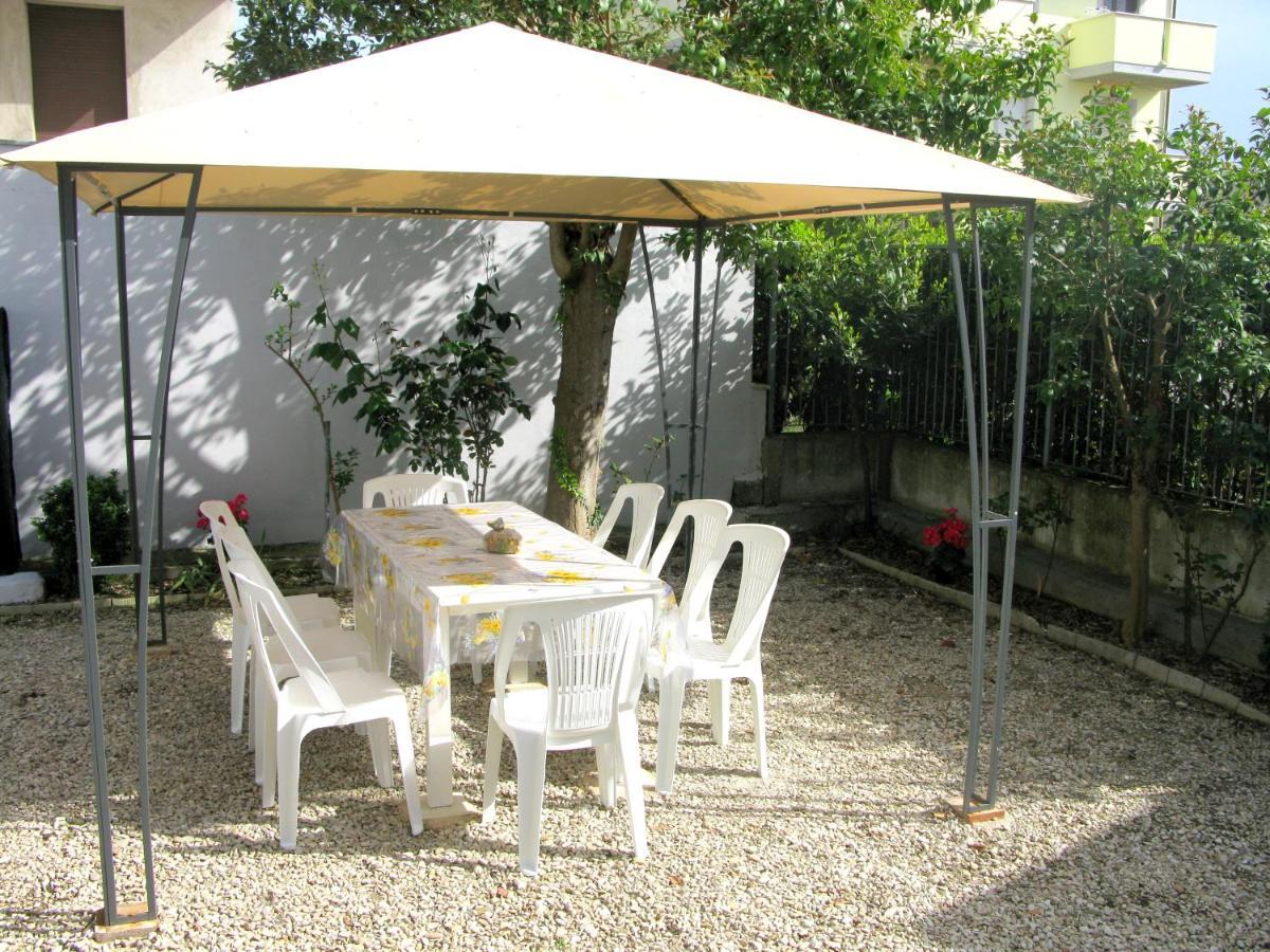 Auchan Sedie Da Giardino.Vacation Home Mare Blu 2 Civitanova Marche Italy Booking Com
