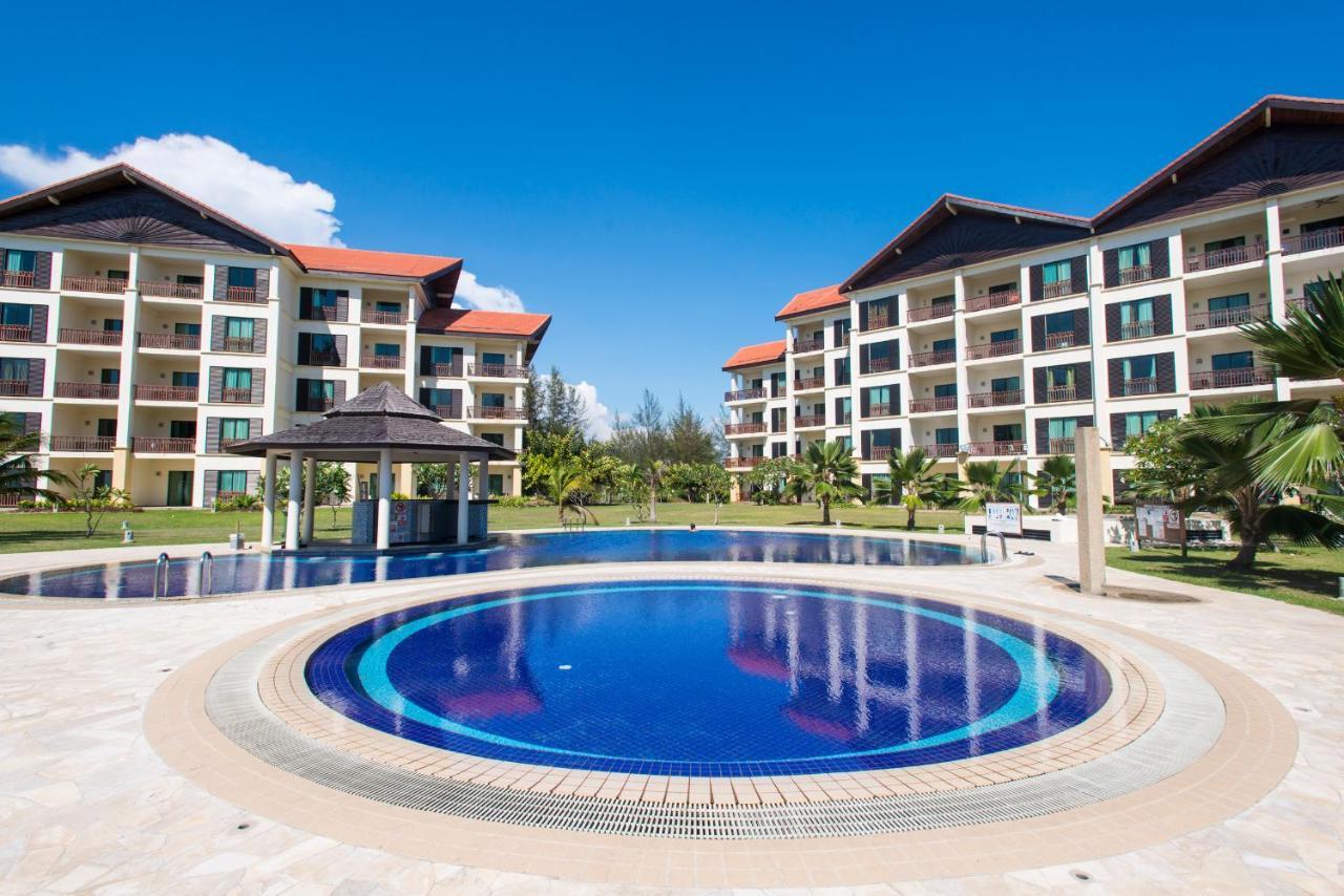 Курортный отель Sabah Beach Villas & Suites