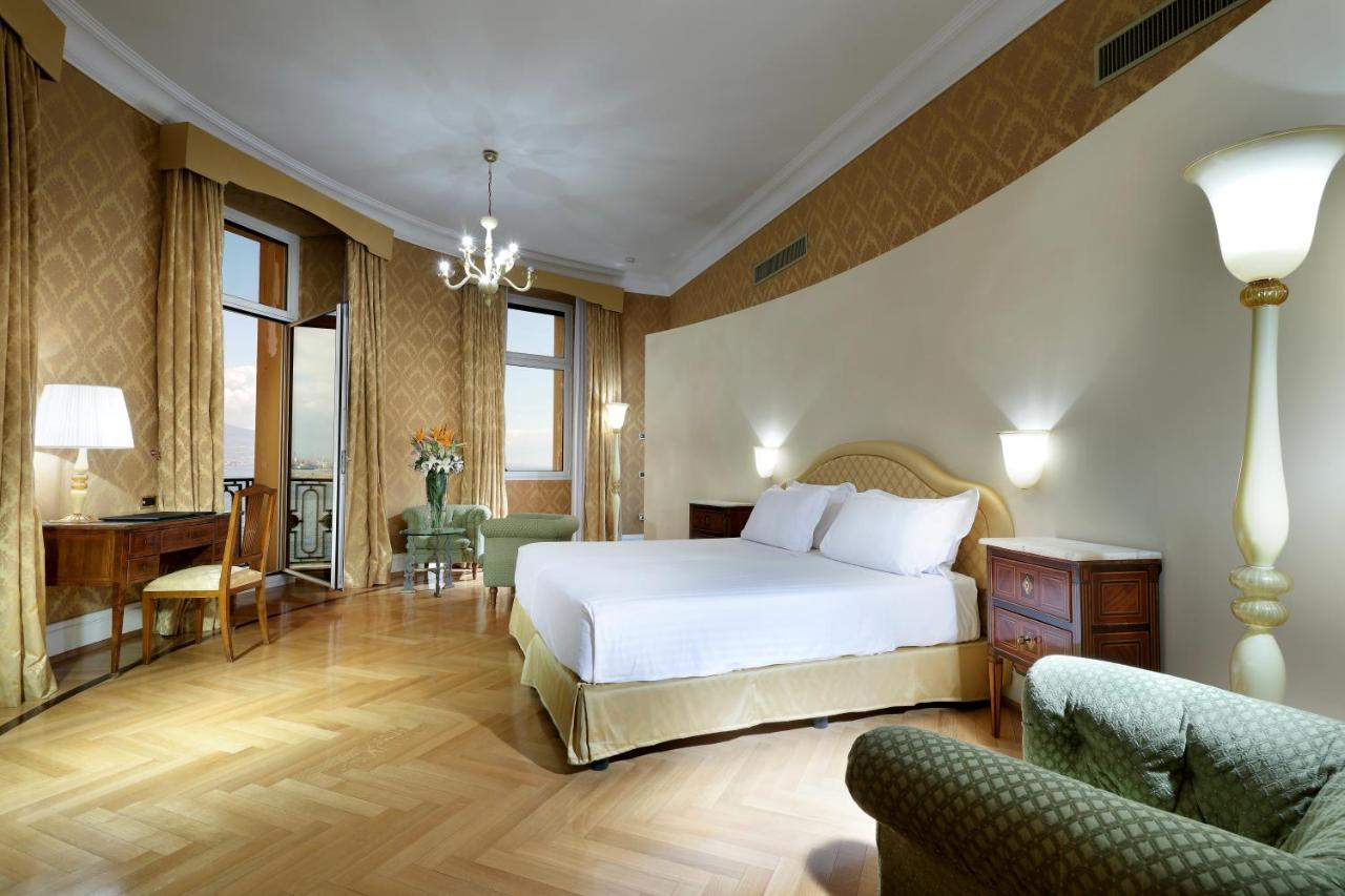 Eurostars Hotel Excelsior Naples Italy Booking Com