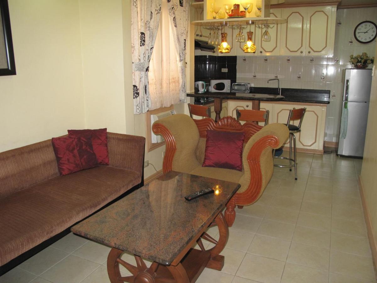 Апарт-отель  Makati Suites At Travelers Inn