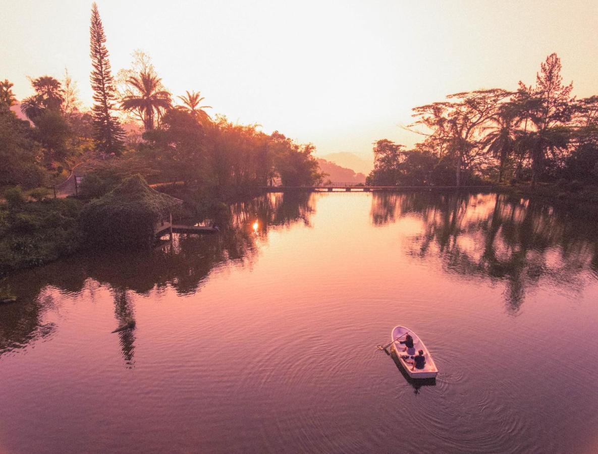 Курортный отель  Amaya Hunas Falls