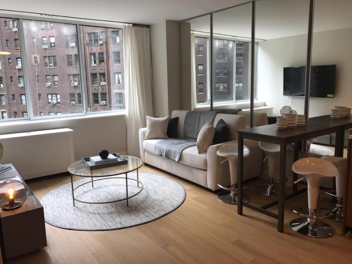 Apartment Exquisite 2 Bedroom 2 Baths all modern and High ...