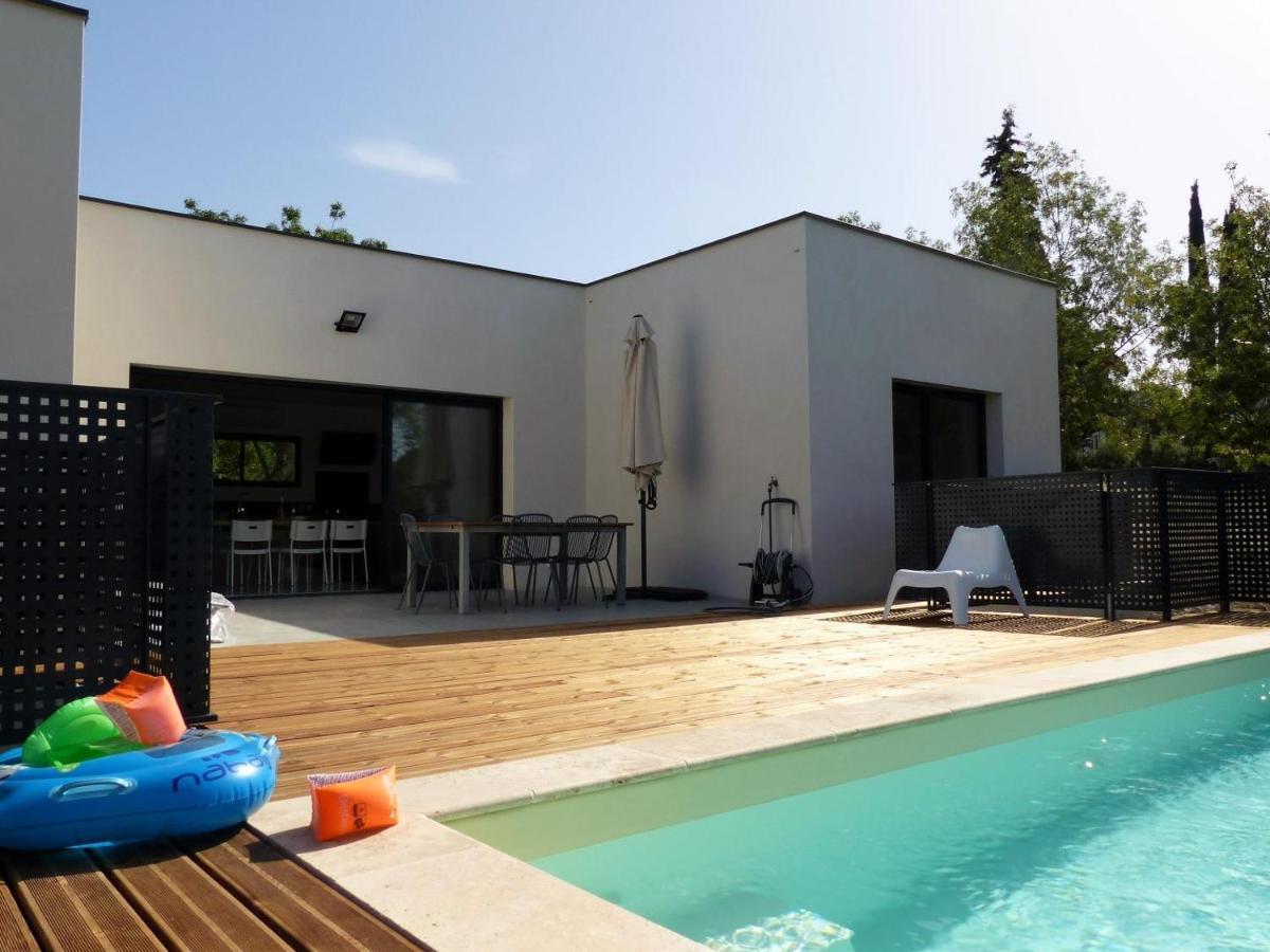 Plan Ou Photo Pool House Pour Piscine villa piscine sud france, verzeille, france - booking