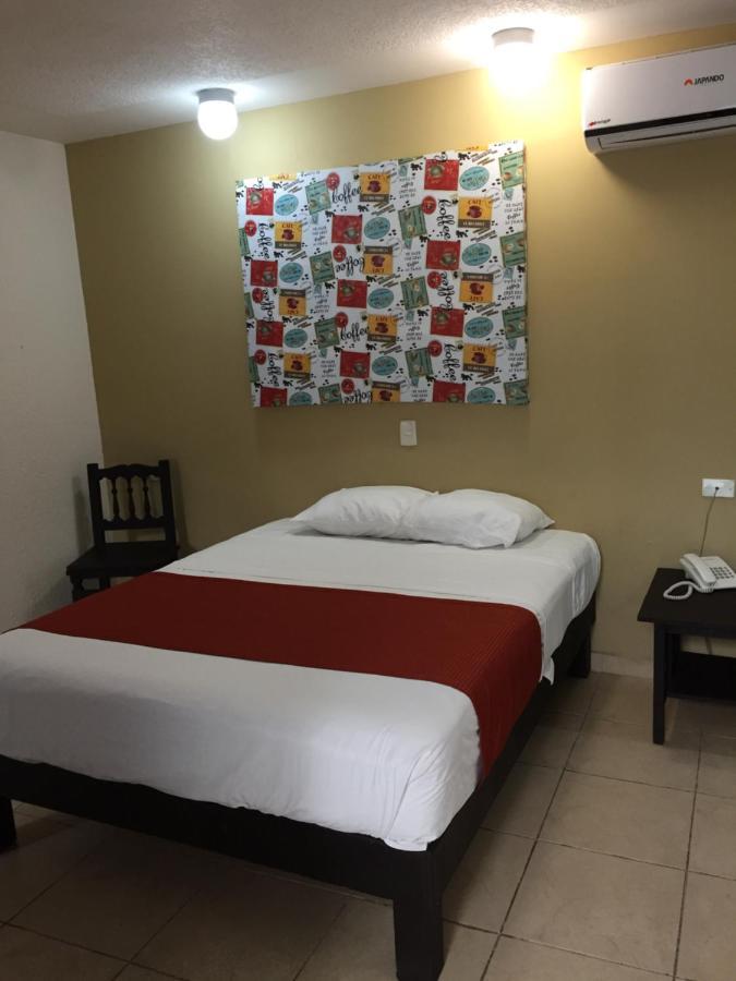 Отель  Link Hotel