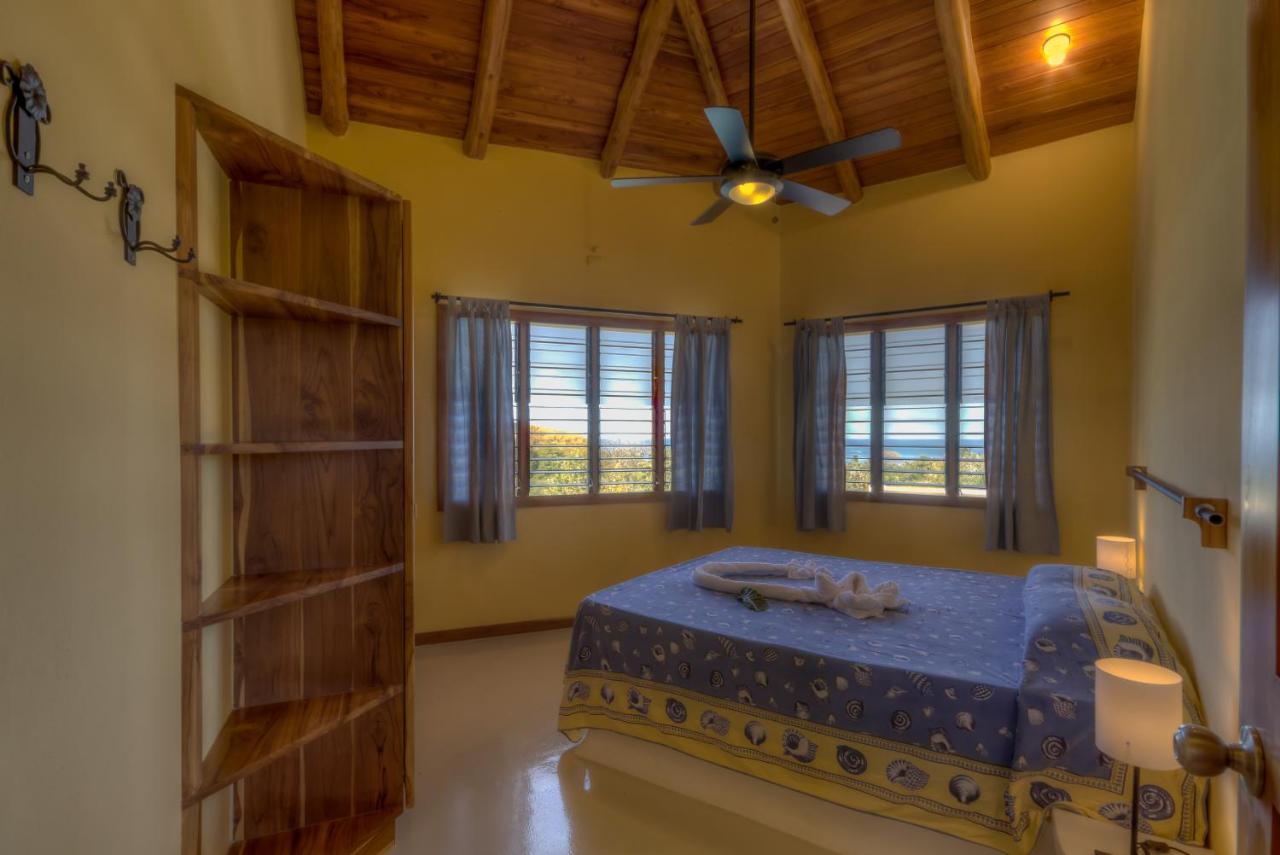 Вилла Sea Breeze Villa