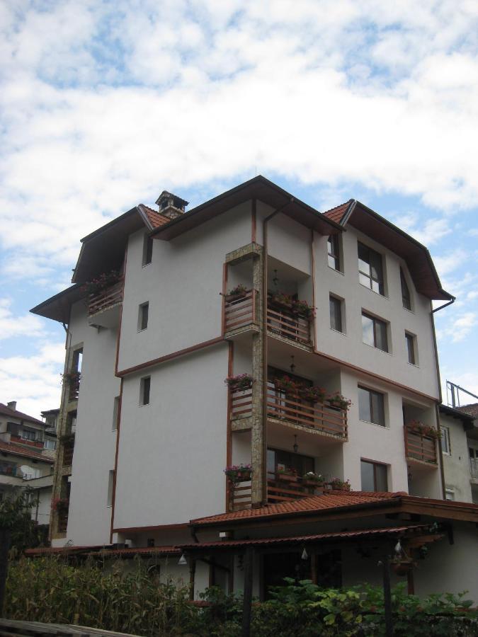 Отель  Family Hotel Veronika