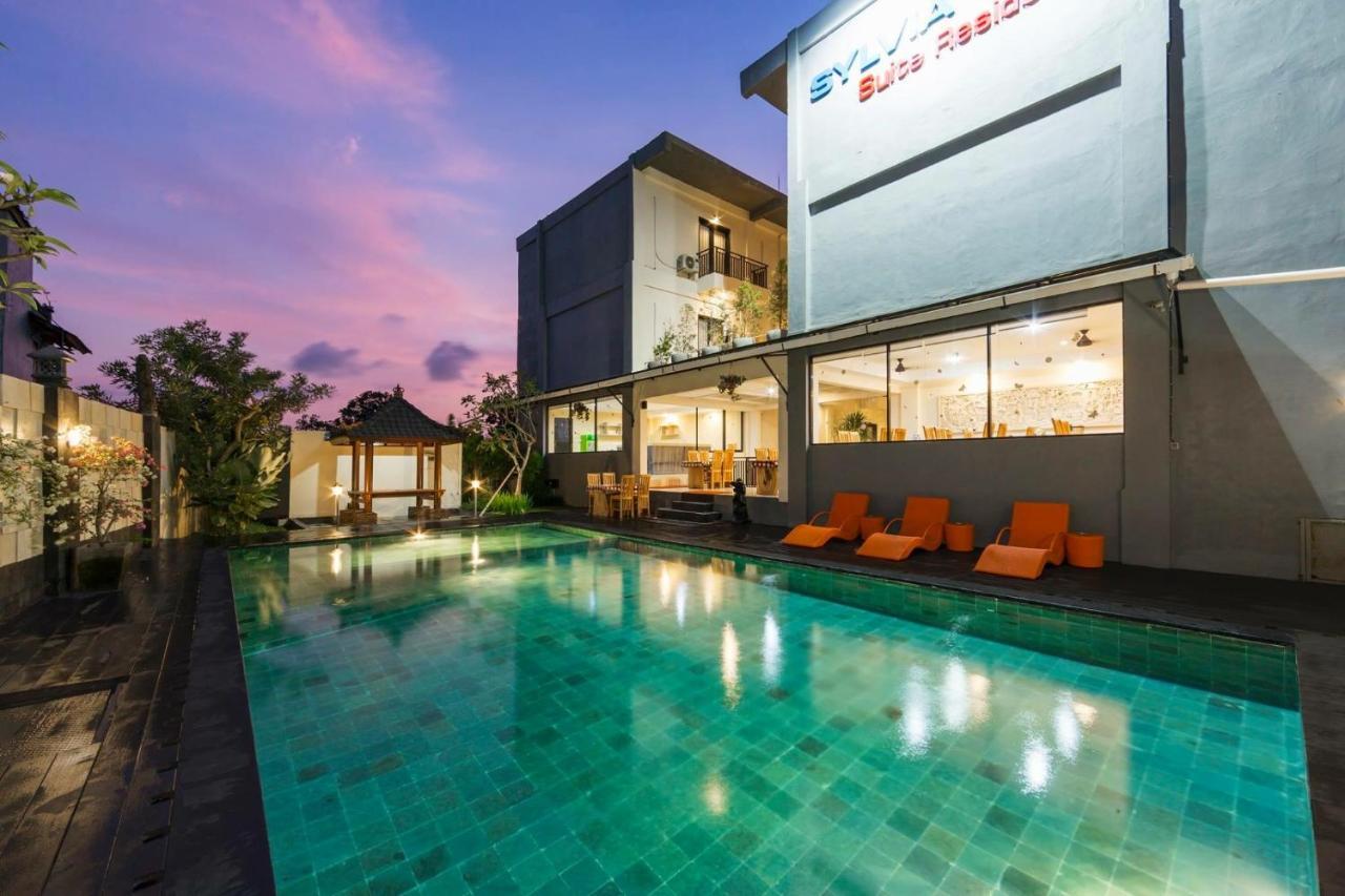 Отель  RedDoorz Plus Near Mall Bali Galeria 2