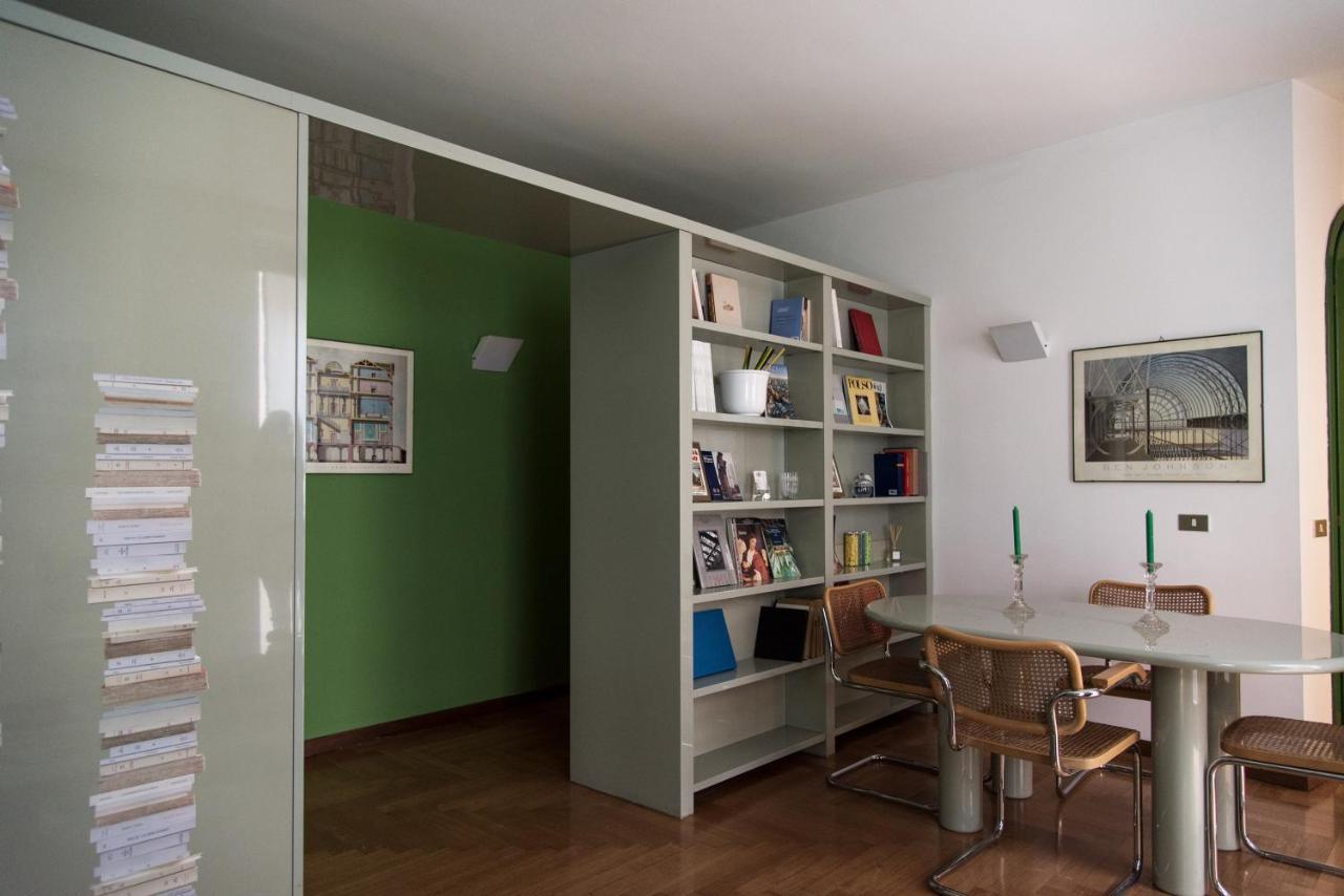 Via San Maurilio Milano apartment bright and quiet-duomo district, milan, italy
