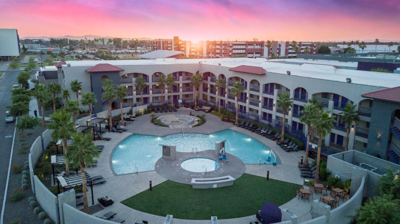 The Grand Canyon University Hotel Phoenix Az Booking Com