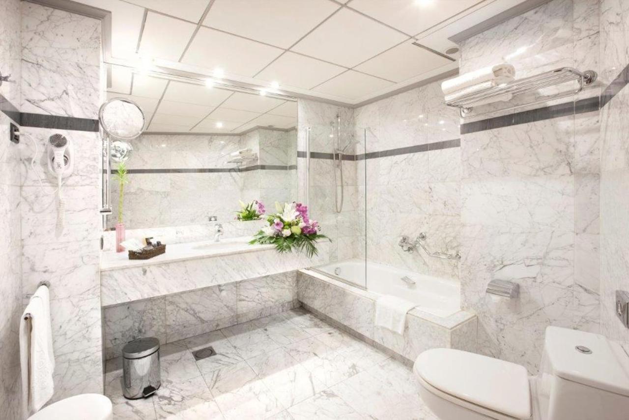 Hotel Gran Via (España Logroño) - Booking.com