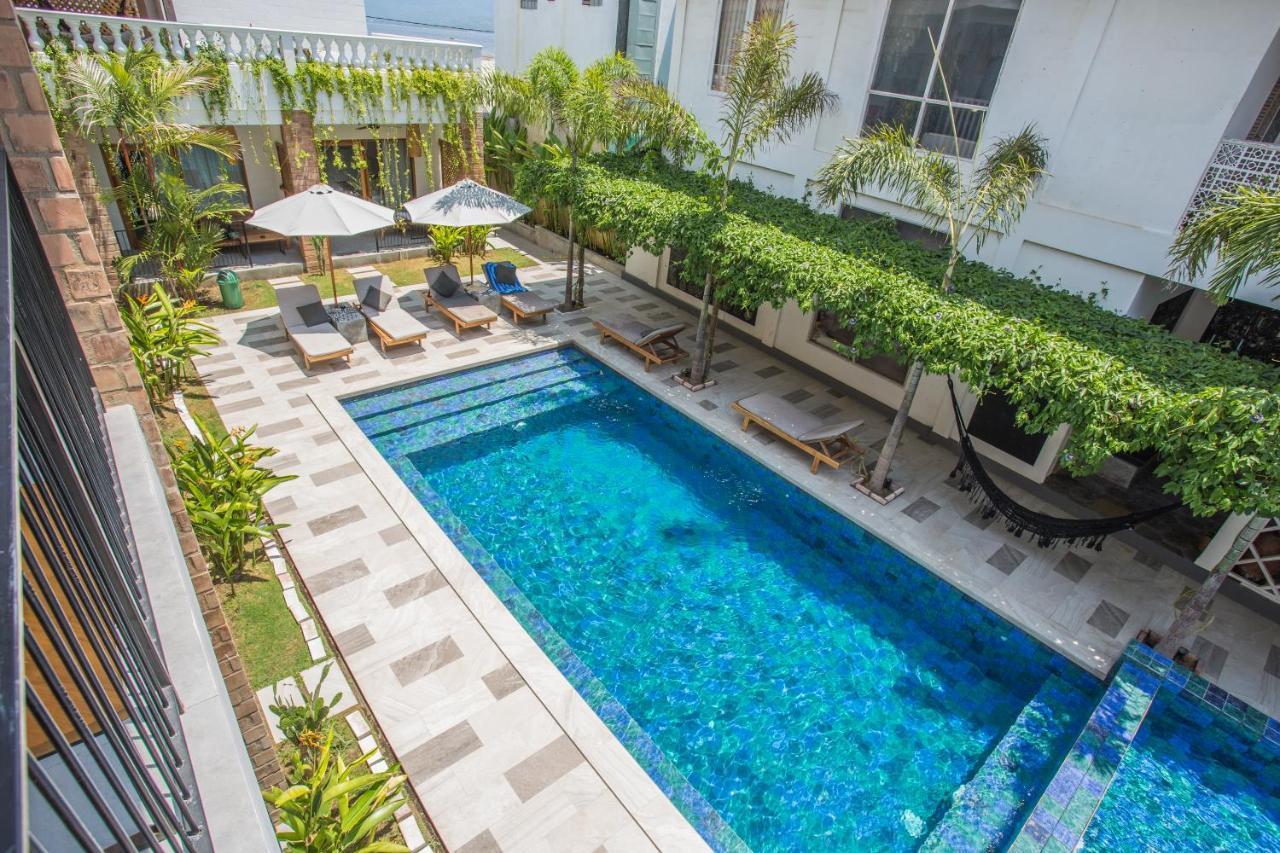 Отель  Abdi Hotel & Bungalow