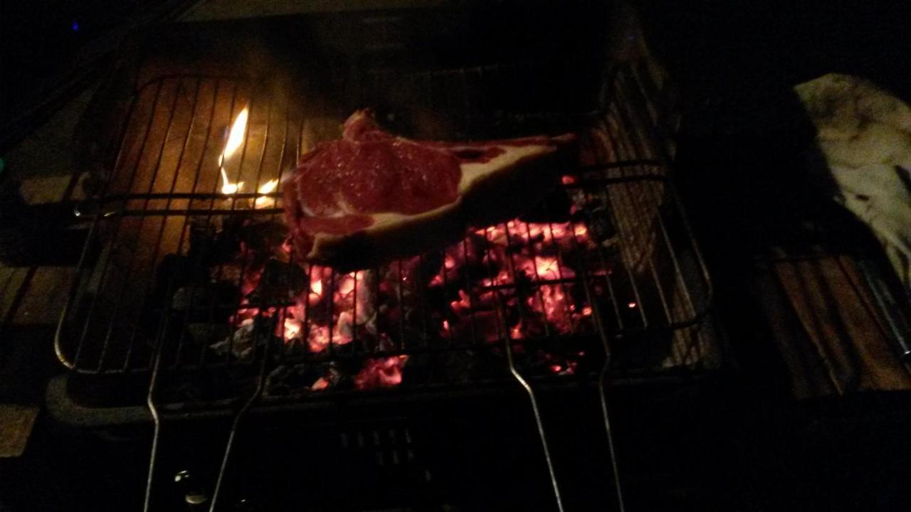 Préparer Un Barbecue Pour 20 Personnes gite de vacance, camurac, france - booking