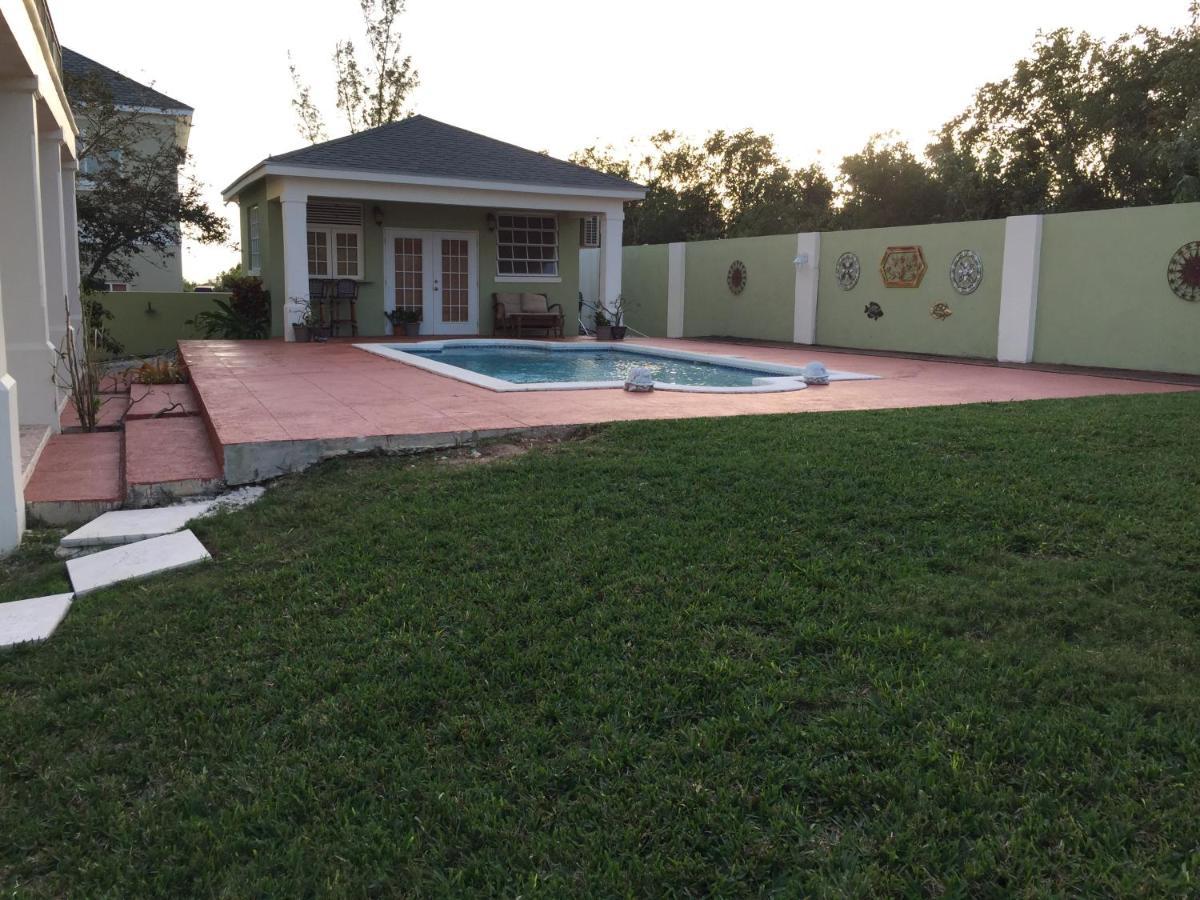 Green Oaks Villa