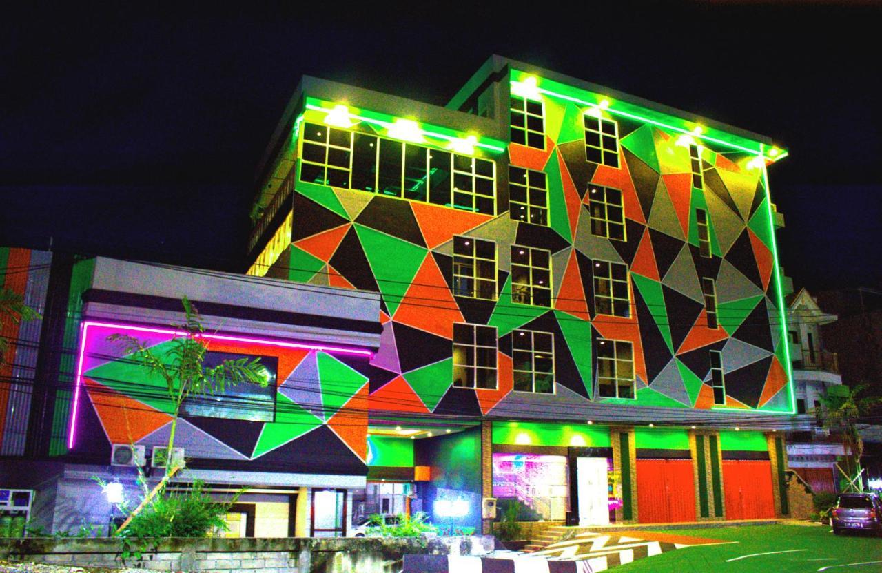 Отель  Отель  Sevensix Hotel Balikpapan