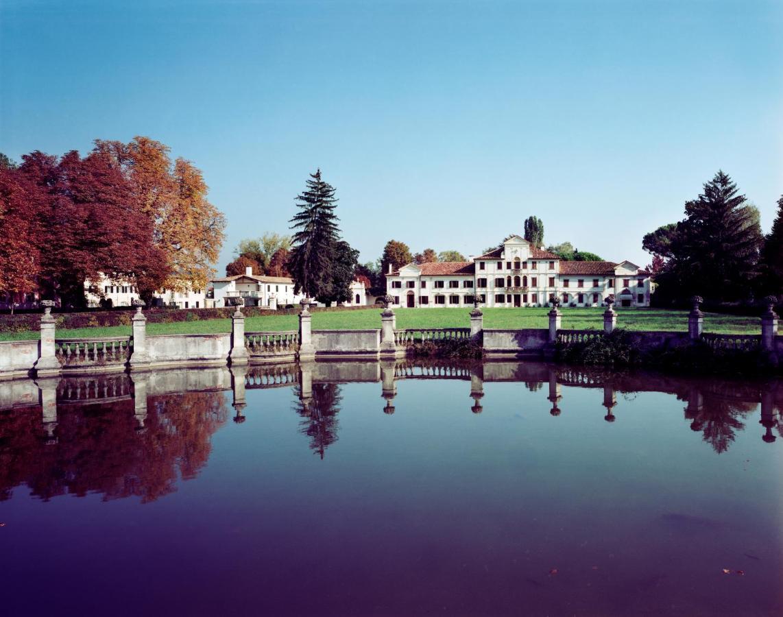 Загородный дом  Villa Toderini