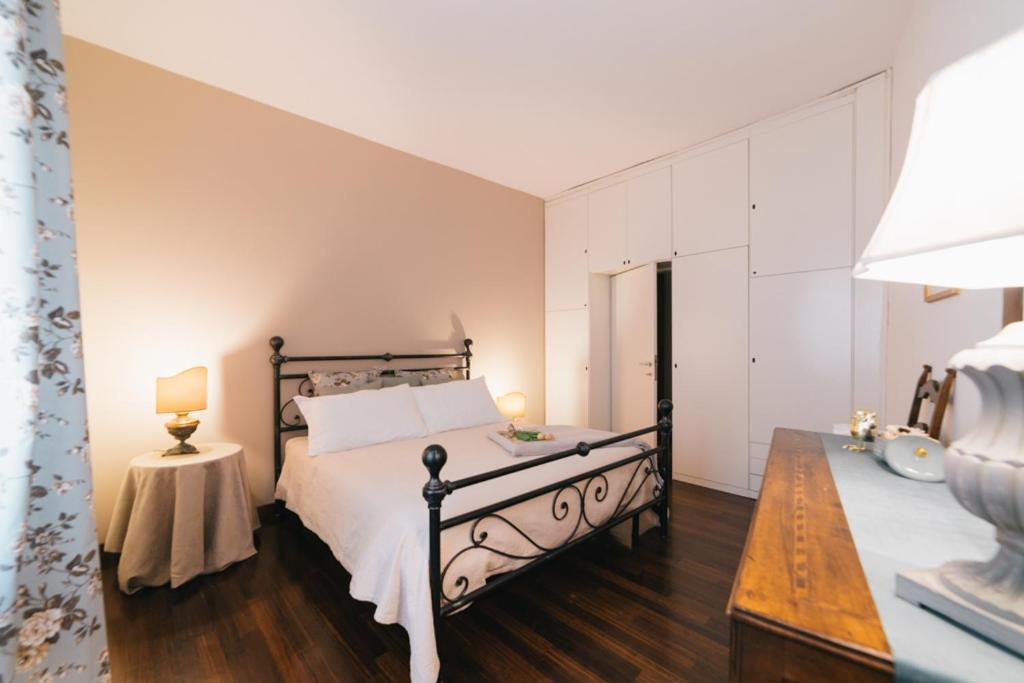 Apartment Maison Ponte Pietra Verona Italy Booking Com
