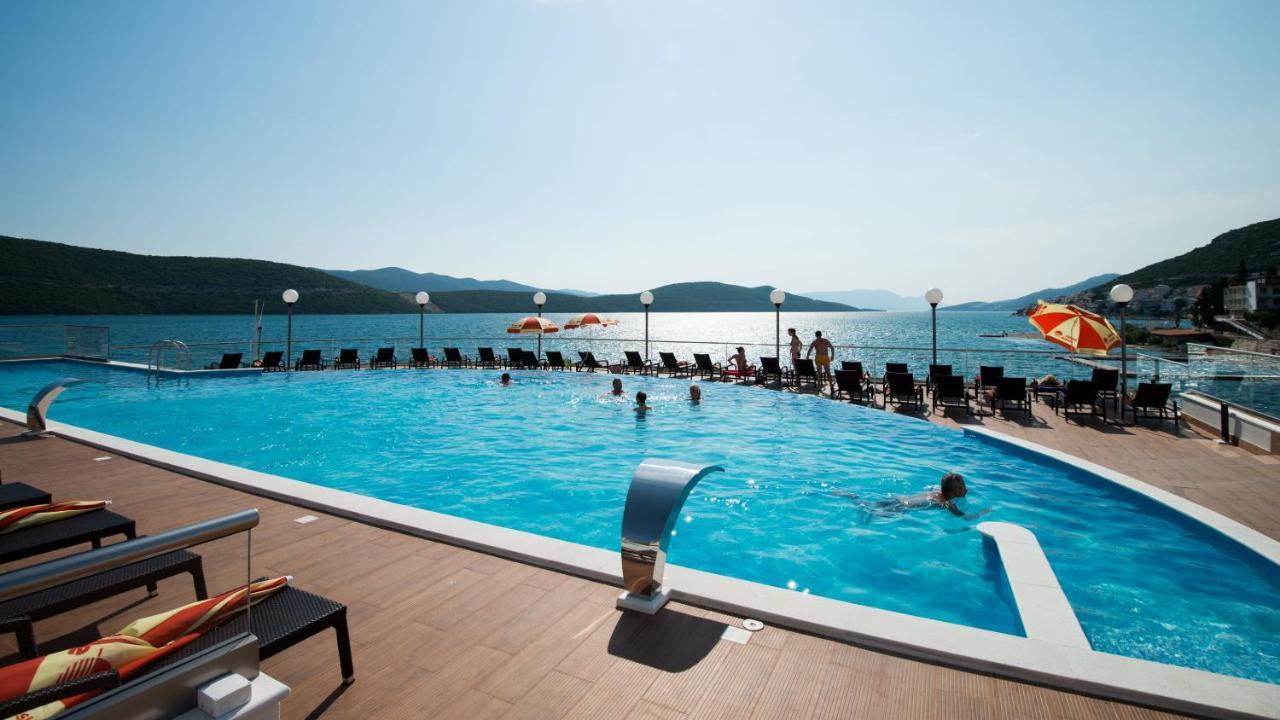 Отель  Hotel Sunce