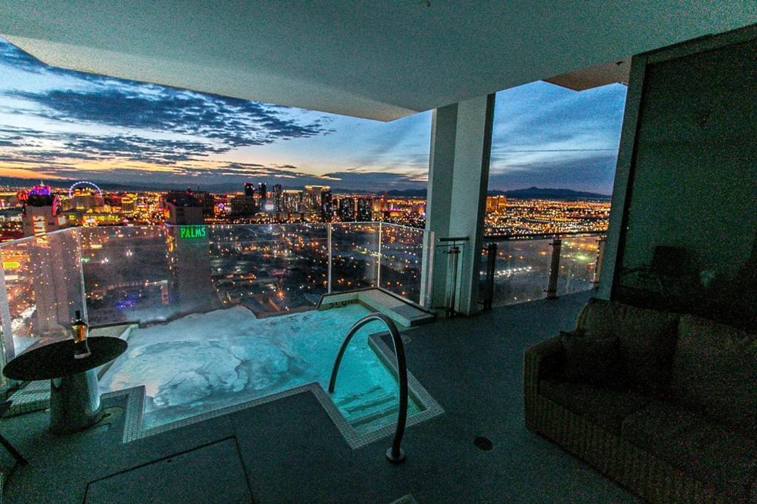 Апартаменты/квартира  Dream Penthouse At Palms Place
