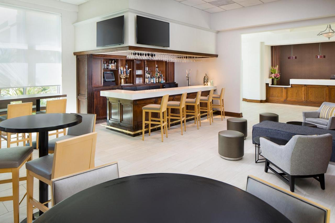 Отель  DoubleTree By Hilton Los Angeles/Commerce