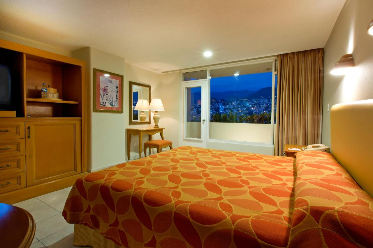 Hotel Krystal Beach Acapulco Mexico