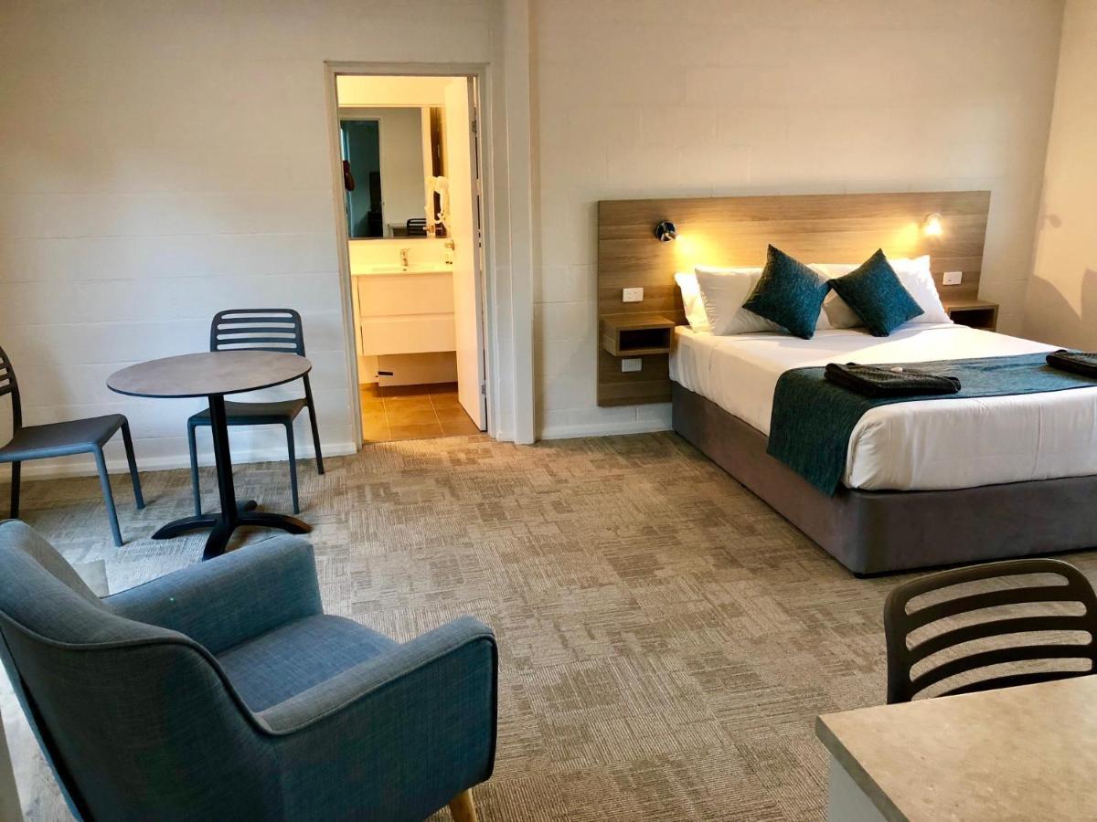 Мотель  Gundagai Tourist Suites