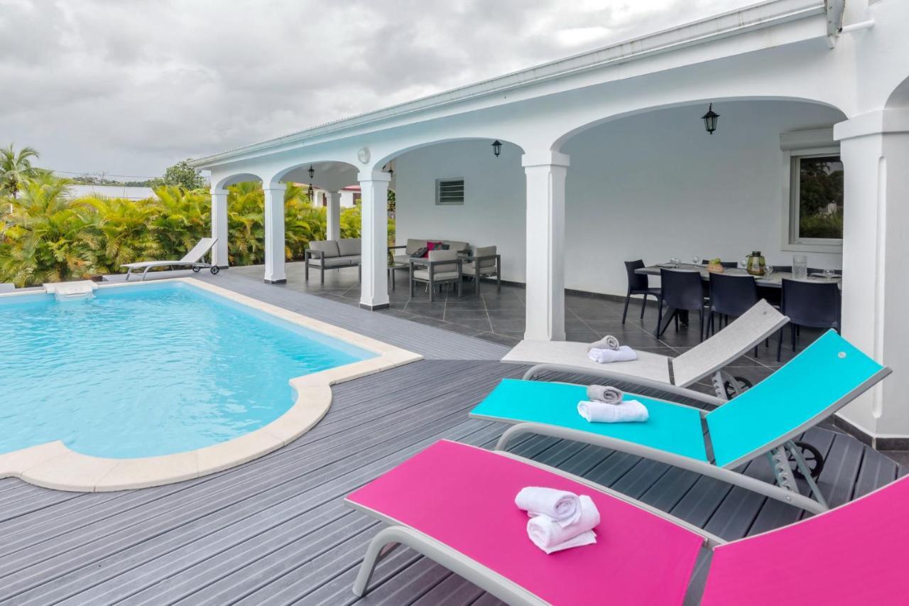 Villa les Mineurs : Superbe Villa avec Piscine et Jardin ...
