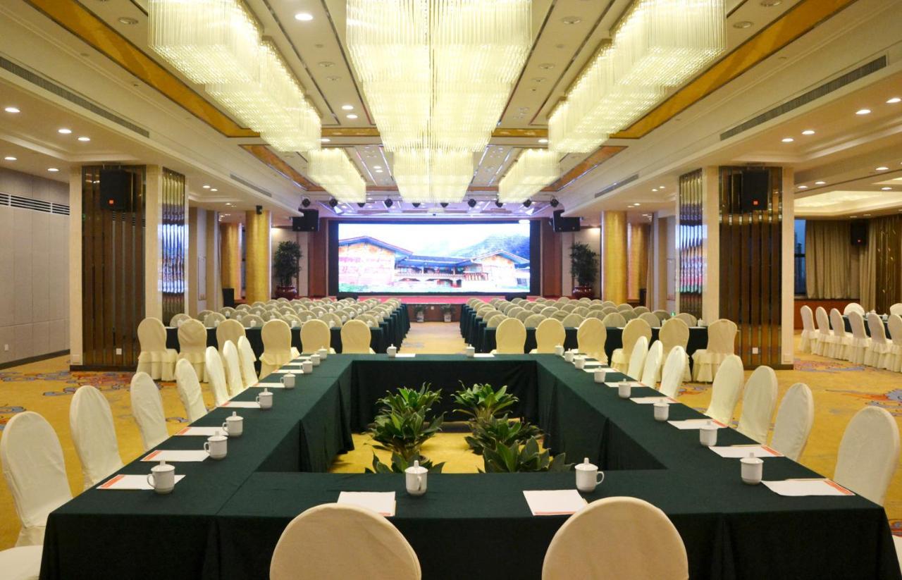 Отель  Fuzhou Meilun Hotel