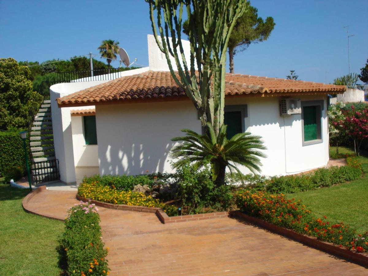 Вилла  Villa In Residence La Bussola