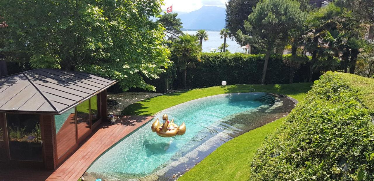 Foto Di Piscine Private villa montreux rotana garden house with, switzerland