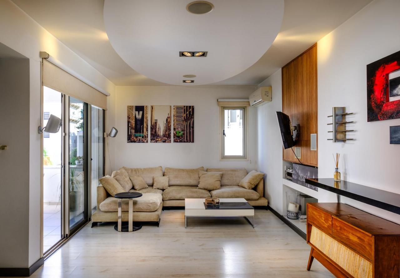 Апартаменты/квартира  Luxe 2 BDR Suite Apartment