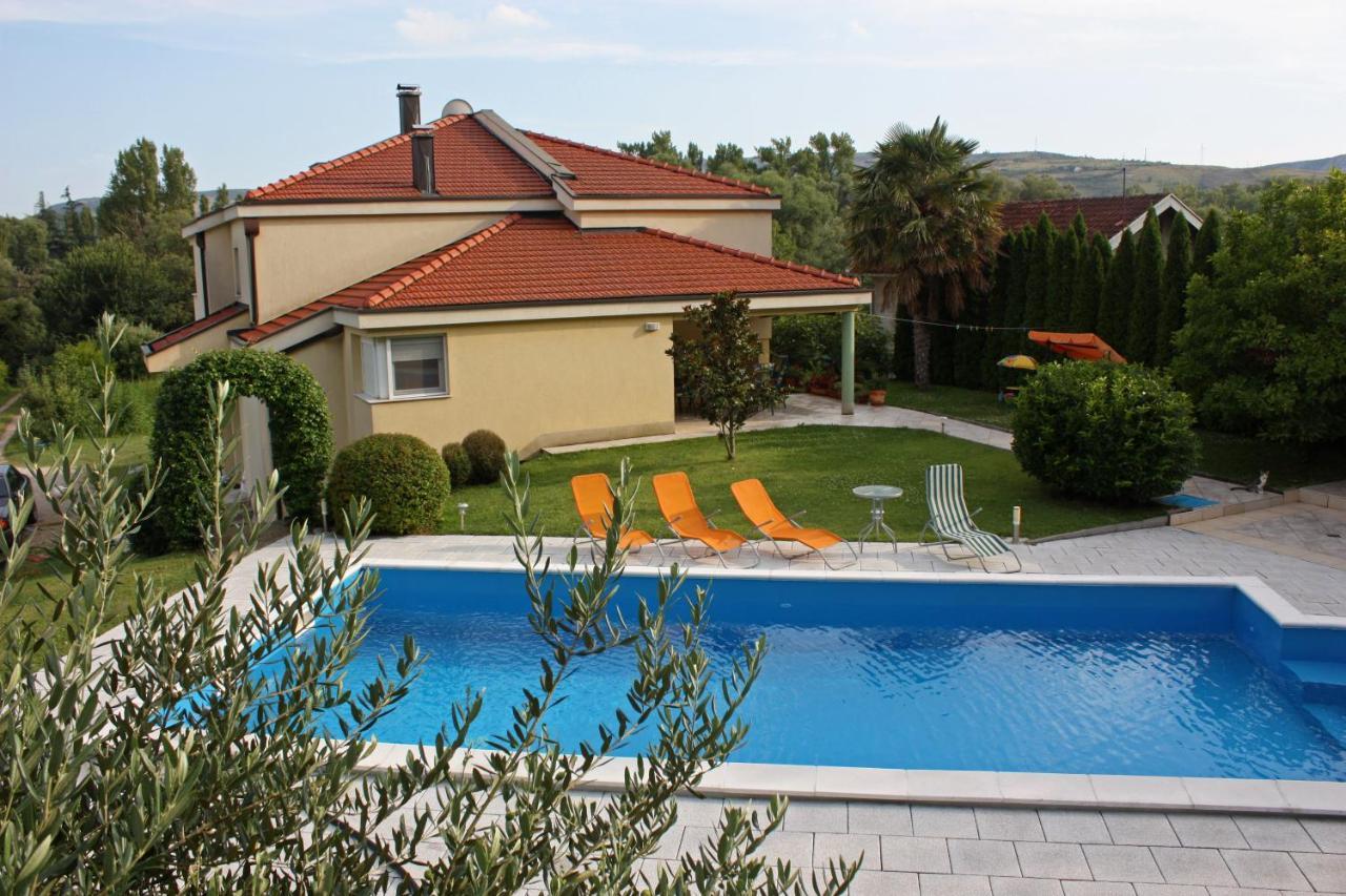 Дом для отпуска  Villa Luka