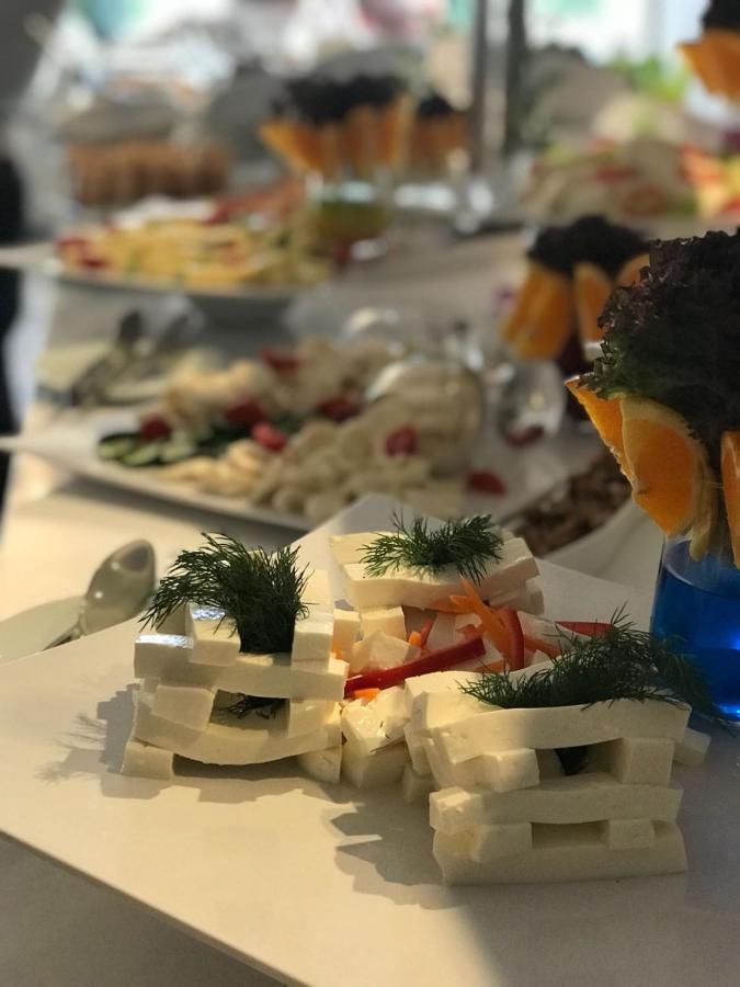 dating antikk buffet