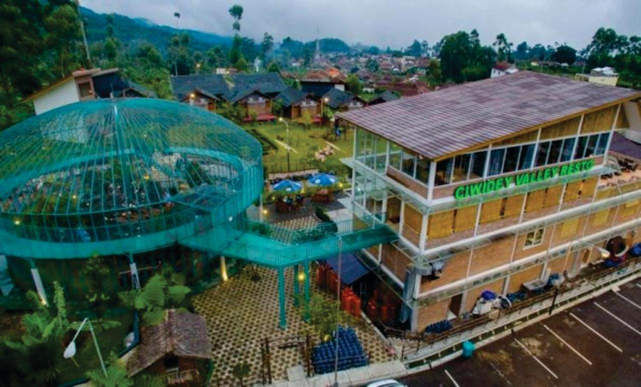 10 Tempat Wisata Bandung Terbaru 2020 Untuk Liburan Keluarga