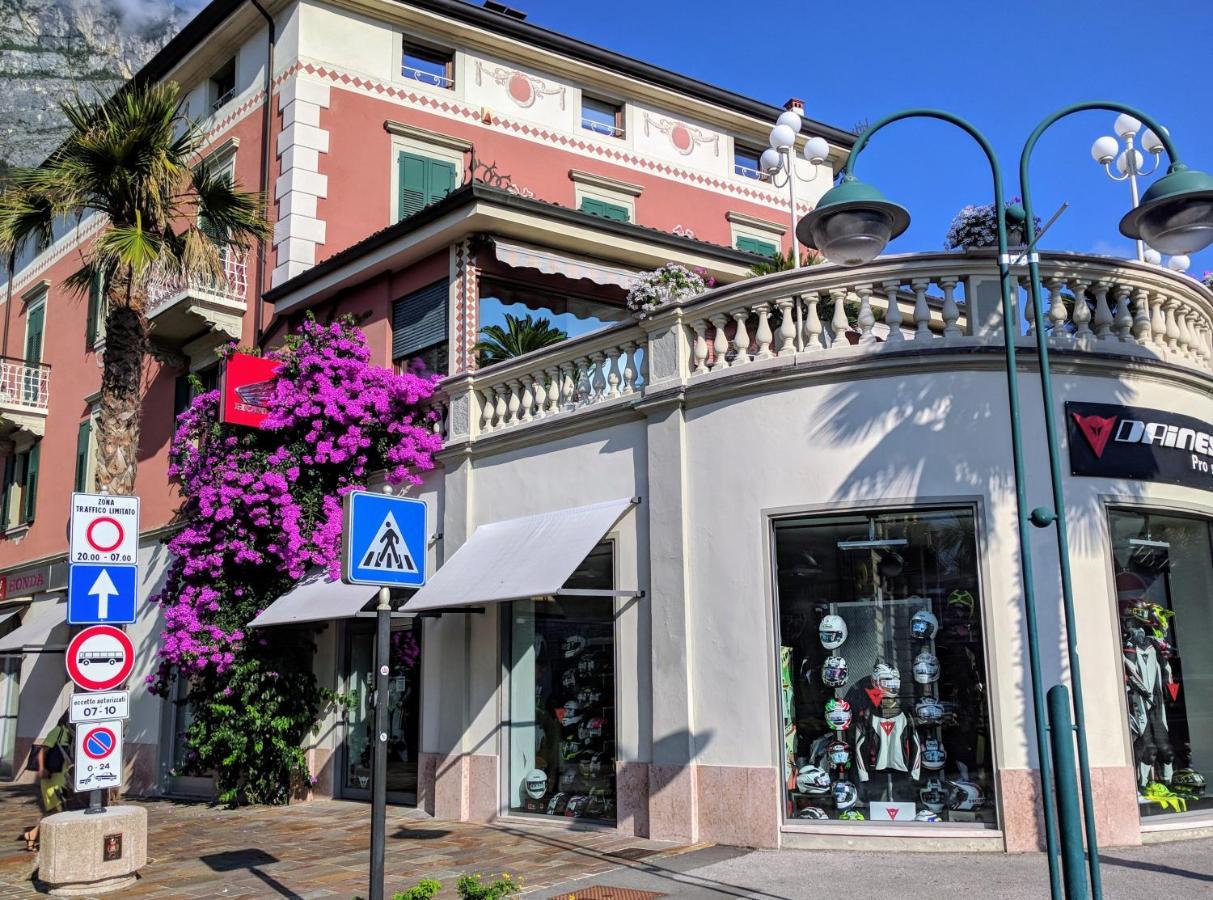 Ambienti Riva Del Garda condo hotel sembenini palace, riva del garda, italy