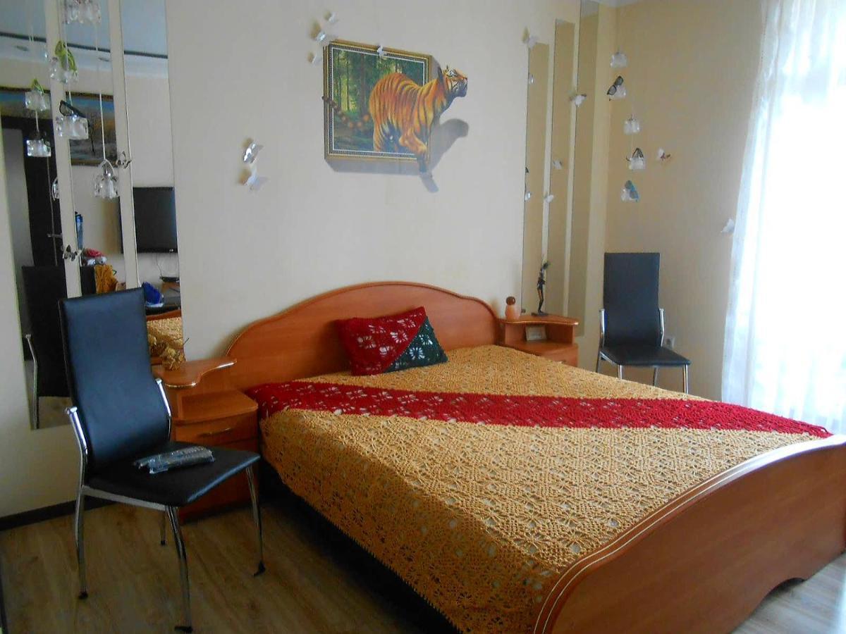 Апартаменты/квартира Квартира с 3мя спальнями в Зеленоградске на Садовой