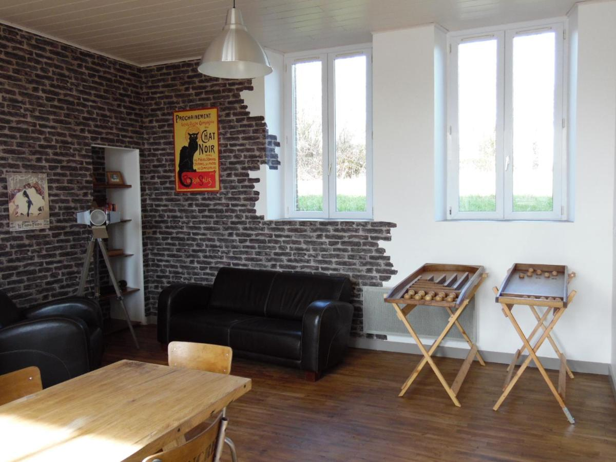 Guesthouse L Ecole Buissonniere Combrand France Booking Com