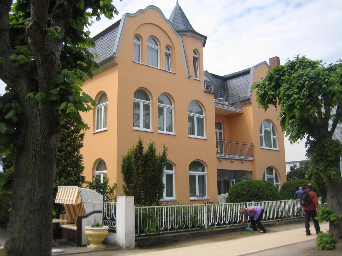 Отель  Hotel Villa Strandrose