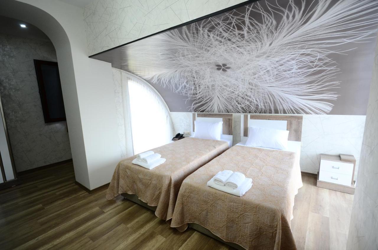 Отель  Dream Tower