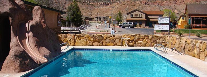 Piscine de l'établissement Zion Park Motel ou située à proximité