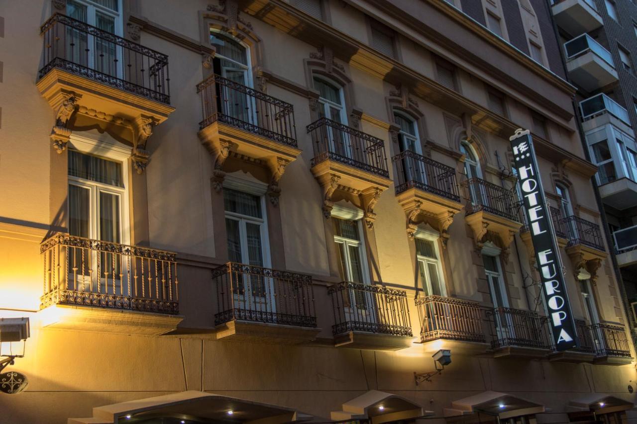 Отель  Отель  Hotel Europa