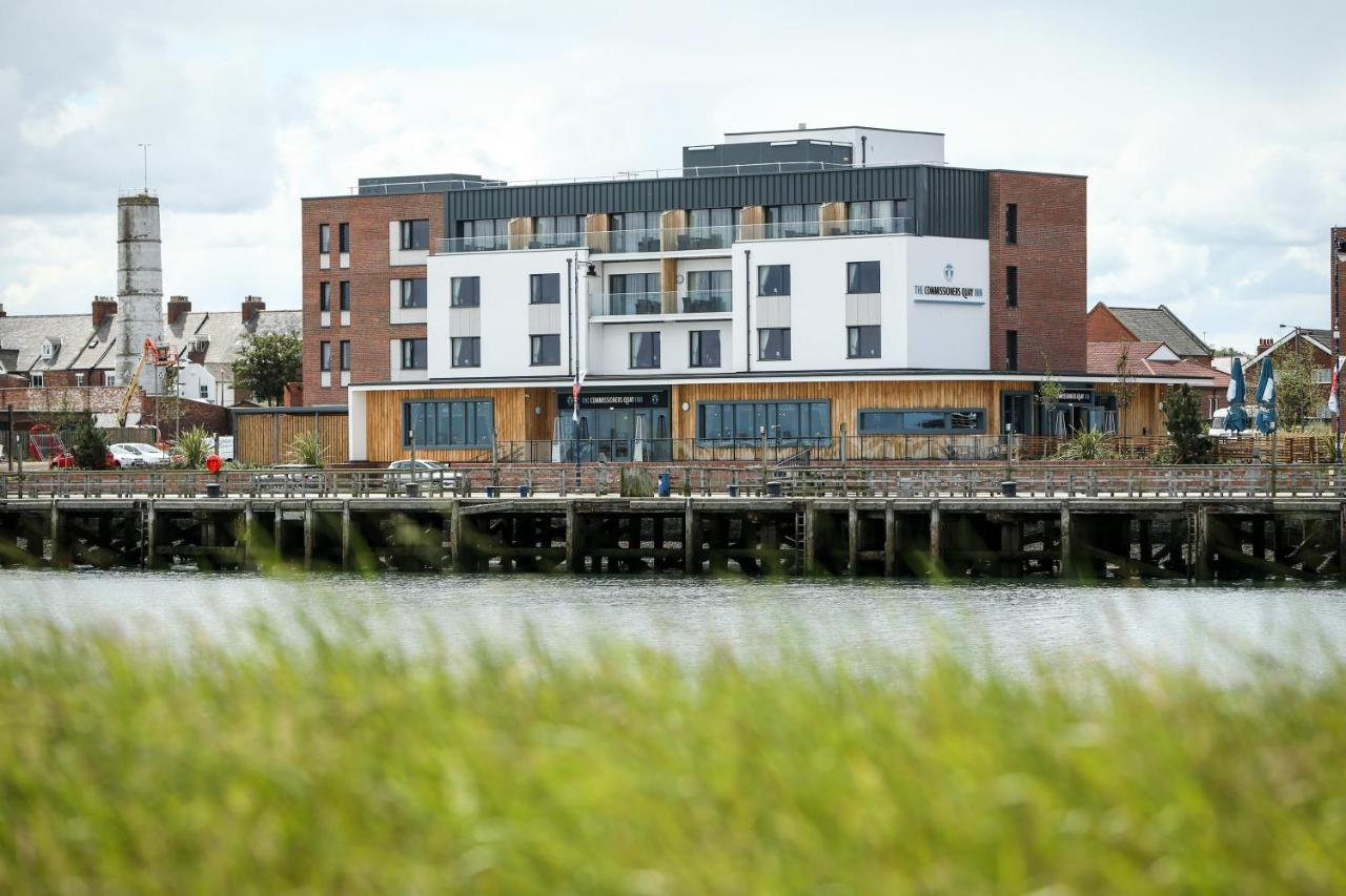 Отель  The Commissioners Quay Inn