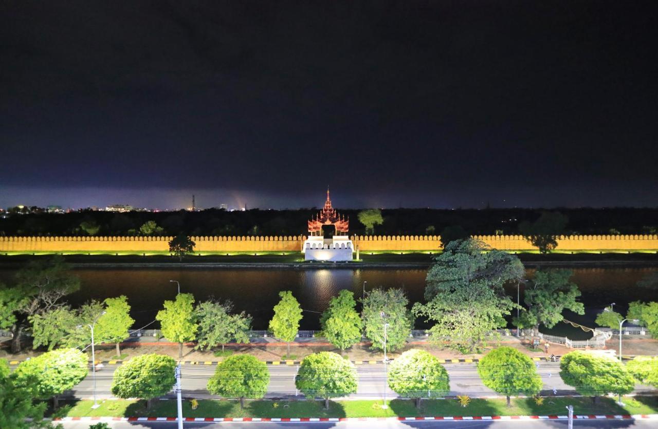 Отель  Sunset Palace View Suites