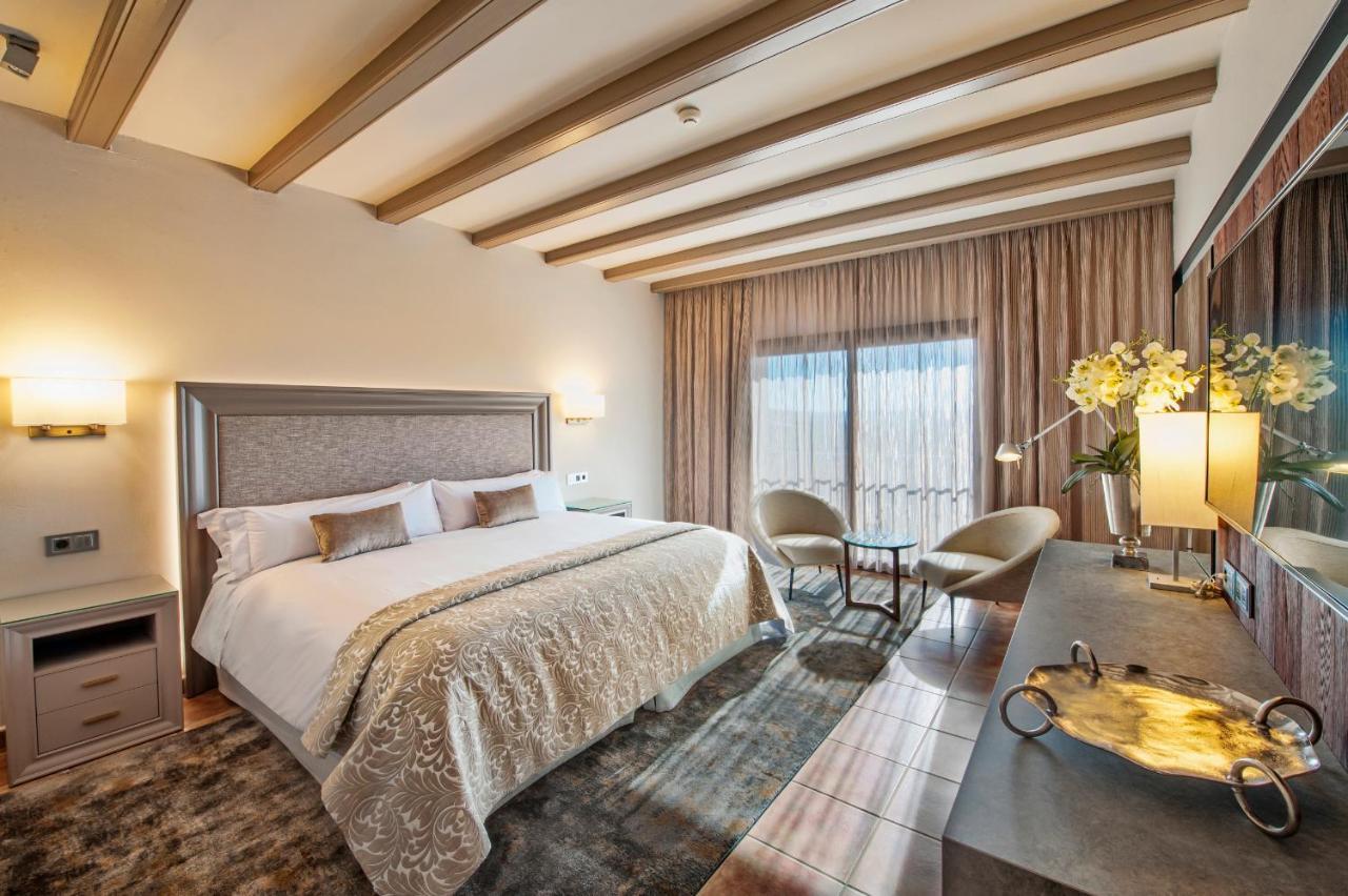 Курортный отель  Hotel La Caminera Club De Campo