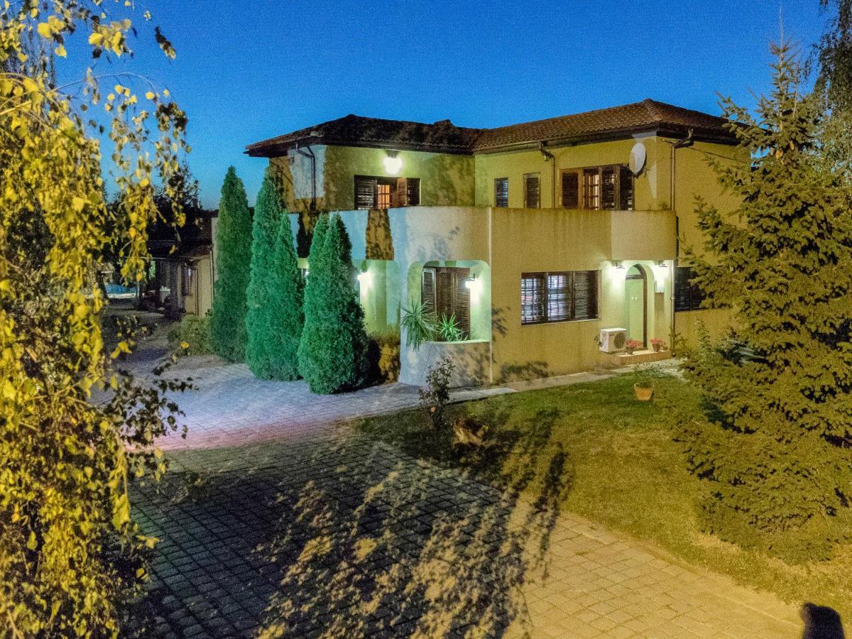 Toscana Villa, Snagov, Romania - Booking.com
