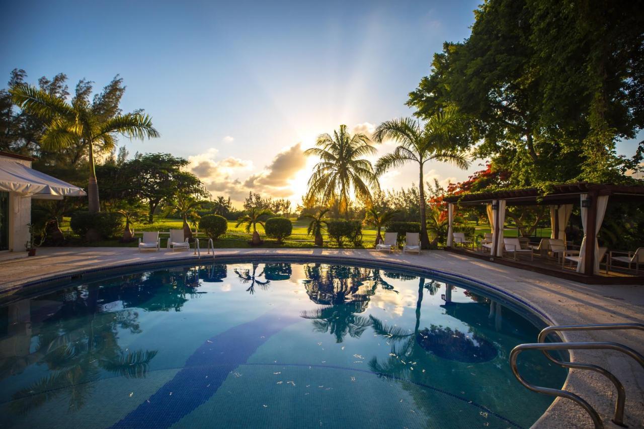 Апарт-отель  Las Gaviotas Hotel & Suites